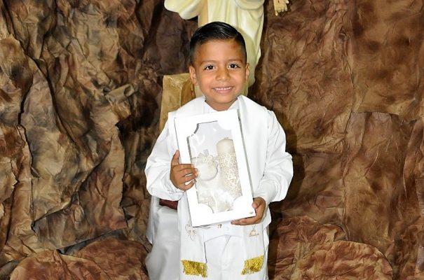 Recibe bautismo Cristopher Daniel