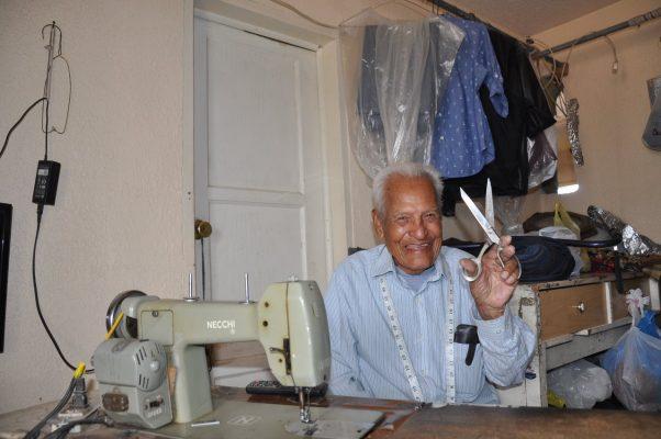 Esiquio Navarrete Bañuelos sastre por mas de 73 años