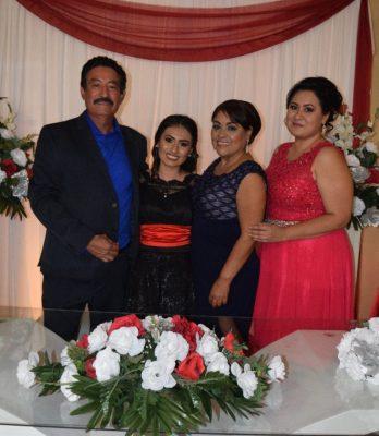 Festejan a Ayra Isabel
