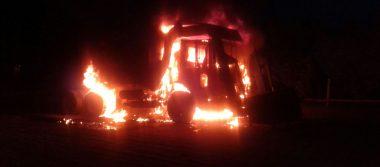Se incendia tracto camión automatizado