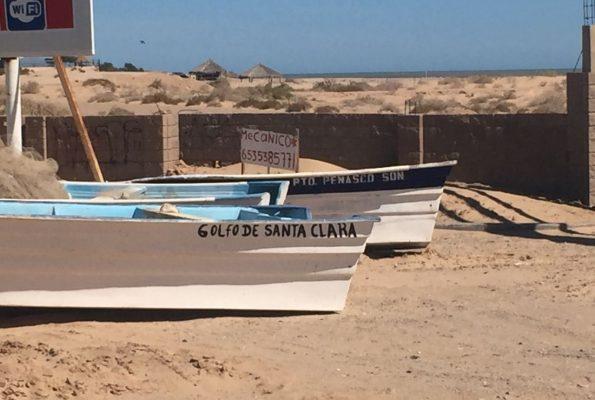 Golfeños enojados por pangas foráneas