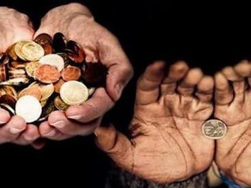 Debe cambiar distribución del dinero