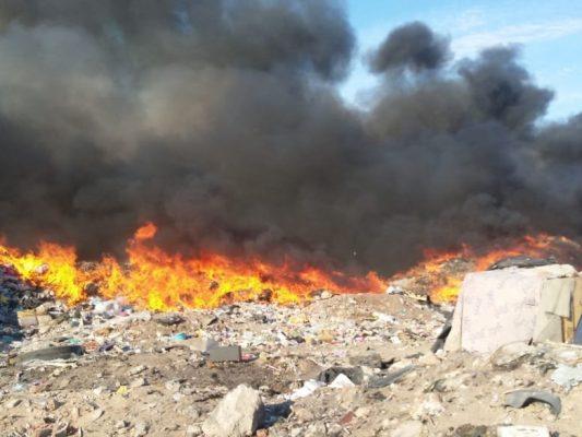 Arde el viejo basurero municipal