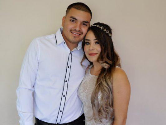 Celebran boda civil Brenda y Adrián