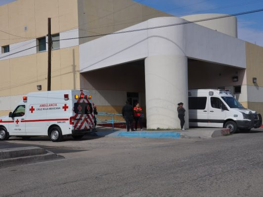 Hospitalizan a una mujer que fue golpeada