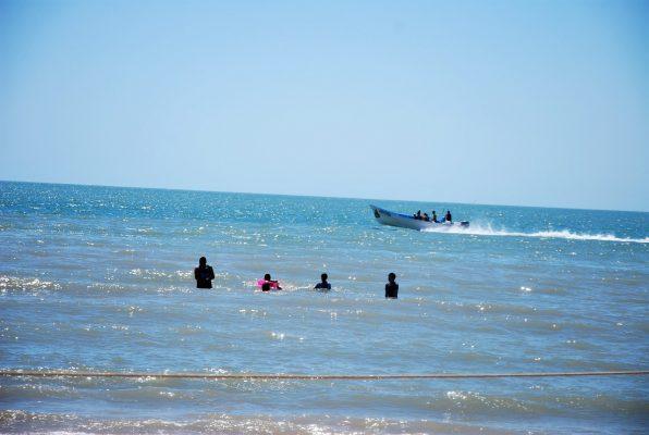 Aguamala y reten afectan al turismo