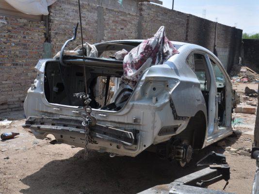 Hallan un auto 2017 robado desmantelado