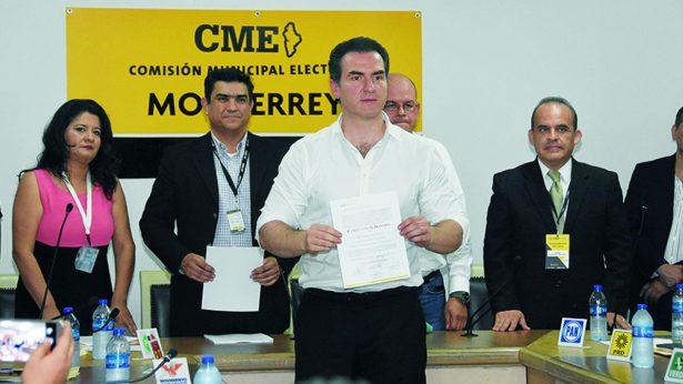 Priistas reciben constancia como alcaldes electos de Monterrey y Guadalupe