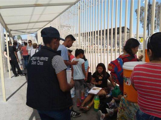 Rusos y cubanos  piden asilo a EU