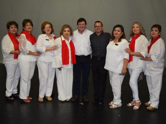 El ex artista Manuel Capetillo dio conferencia en San Luis, ahora como predicador de la palabra de Dios