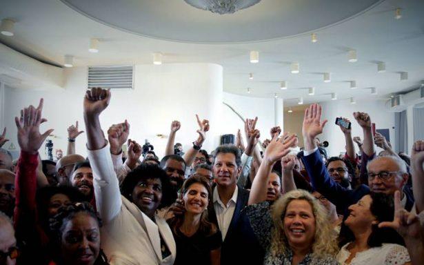Empresarios brasileños crean grupo de fake news contra Bolsonaro