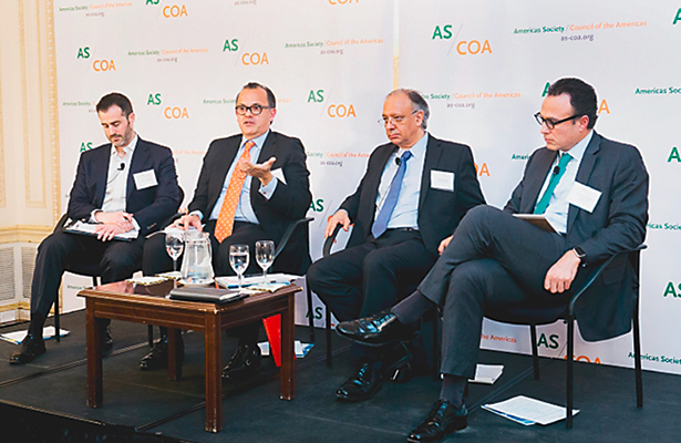 El peor escenario de México es la incertidumbre, coinciden economistas en Nueva York