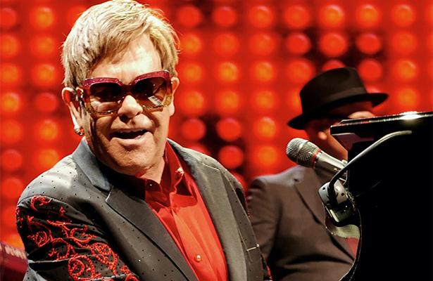 Cena benéfica de Elton John durante los Oscar tendrá sabor español